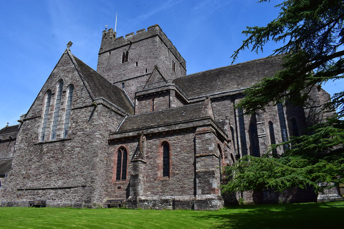 brecon_cathedral1.jpg